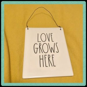 Rae Dunn Love ❤️ Grows Here ceramic wall sign NWOT